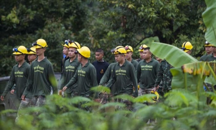 Thai cave rescue mission resumes after heavy downpours
