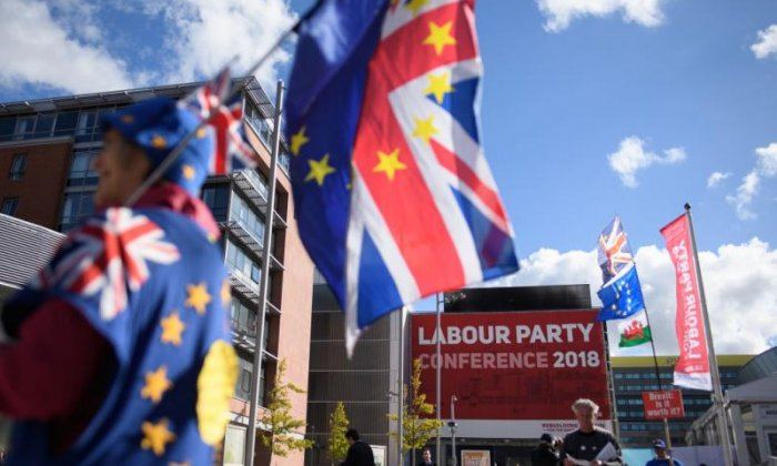 Labour vote to keep open option for second Brexit referendum