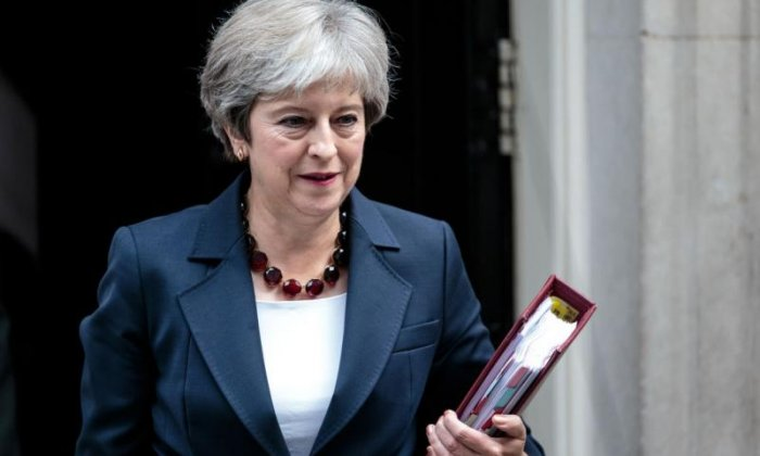 Theresa May to hold cabinet meeting on no-deal Brexit plans