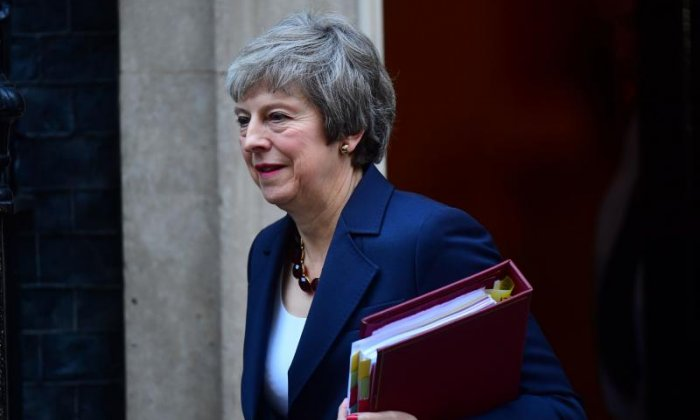 Theresa May fights to get Cabinet to back her Brexit plans in five hour long meeting