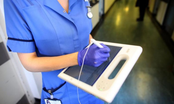 Fax machines to be banned across the NHS by 2020