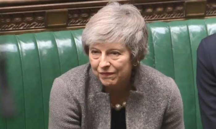 Theresa May to 'ramp up no deal preparations' after Jeremy Corbyn no confidence threat
