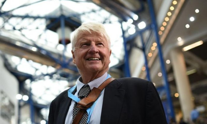 Stanley Johnson: Brexit is a 'win-win situation' if May's 'nonsensical' deal is 'kicked out'