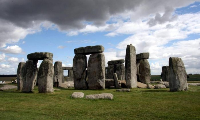 Druid named 'King John' says he will take Government to court over tunnel near Stonehenge