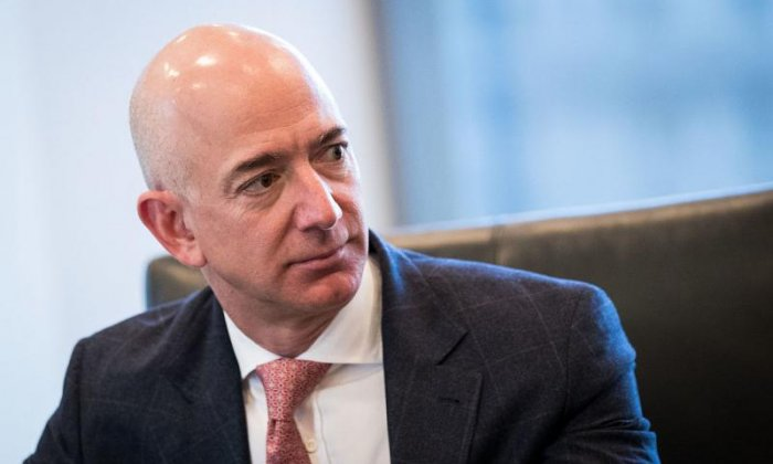 Amazon CEO accuses US tabloid of 'blackmail' over revealing pictures