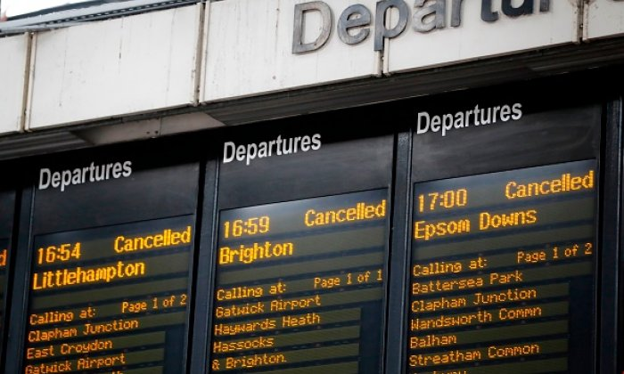 United Kingdom train punctuality to be measured to the minute