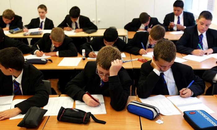 Letter from thousands of headteachers warn of 'school funding crisis'