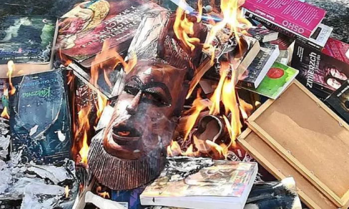 Priest apologises for public burning of Harry Potter books
