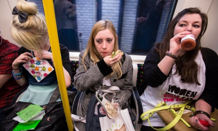 Ban food on public transport to tackle child obesity, says report