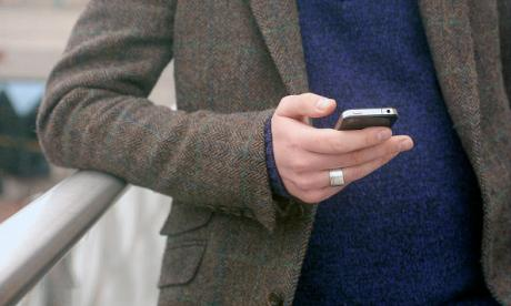 'Potentially it's the beginning of a very painful break up' – Is 'sexting' cheating?