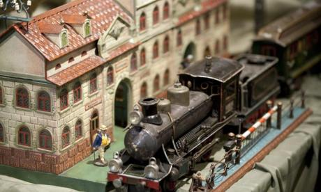 Jon Holmes asks - Could model railway enthusiasts run our railways?