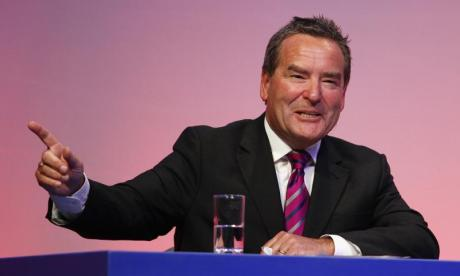 Jeff Stelling on theme tunes, football and his new quiz show!