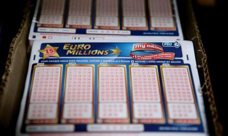 After a family syndicate in Wales won £61m on EuroMillions, economist and wealth manager Jonathan Davies gave talkRADIO listeners a rundown on how to handle a windfall - whether it's multi-millions or £1,000…