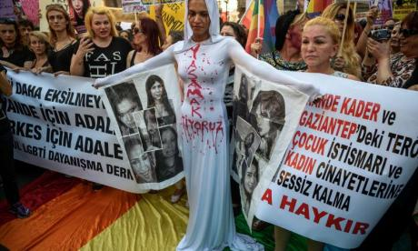 LGBT protest in Istanbul brings hundreds of activists together over murder of transgender woman
