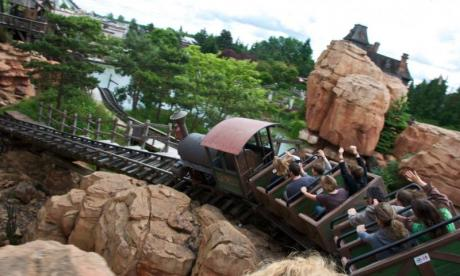 Riding rollercoasters can help people pass kidney stones