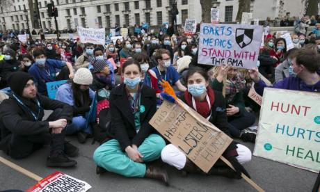 Junior Doctors Strike suspension: 'There is still the possibility of action', says GP