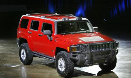Woman trapped for five days in a Hummer after it rolled off a cliff