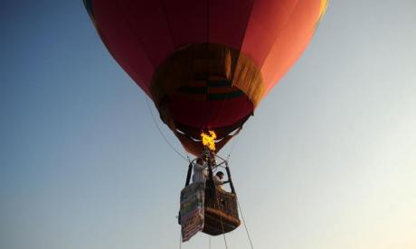 British mother dies and two others in hospital after hot air balloon crash in South Africa