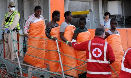 More than 700 migrants rescued from the Mediterranean and taken to Sicily