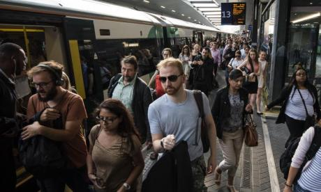 Southern Rail commuters launch court case against Government over crisis-hit network