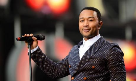 'I tried to not be impressed by John Legend but I failed' - Twitter blown away by the singer's impromptu performance at St. Pancras International