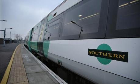 Southern Rail passenger 'threatened to blow up company headquarters whilst stuck on train'