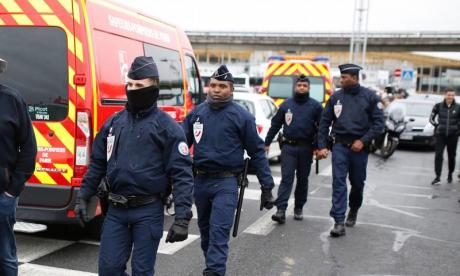 Police arrest two on suspicion of supplying pellet gun used in Orly airport attack