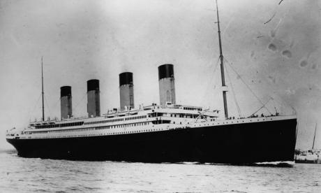 Tourists set to take part in dive to view Titanic wreckage