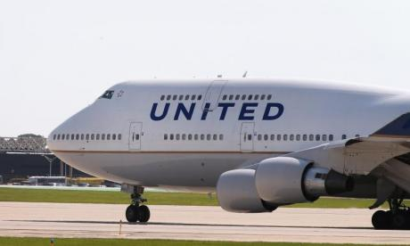 United Airlines flight makes emergency landing after engine problems