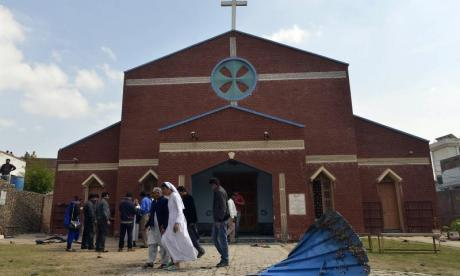 Pakistani Christians accused of lynching reportedly offered acquittal if they converted to Islam