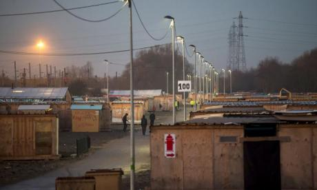 Fire rips through migrant camp in northern France
