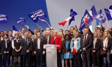 Marine Le Pen promises Front National will be defender of Jews on campaign trail