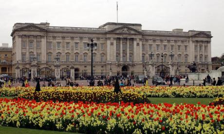Military to guard Buckingham Palace, Downing Street, and other key locations in UK