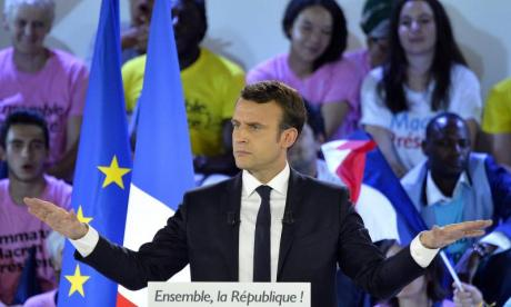 Ministers scramble to make immigration plan due to fears Emmanuel Macron will end UK border controls at Calais