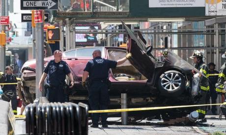 New York City: Times Square driver 'heard voices', say law enforcement