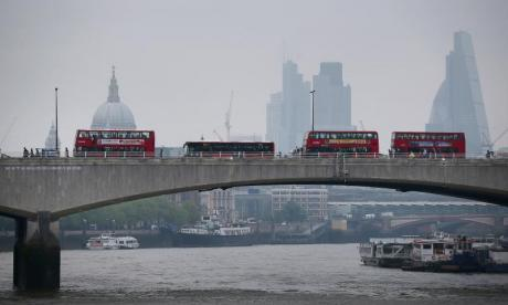Cyclists claim security barriers on bridges in London are unsafe