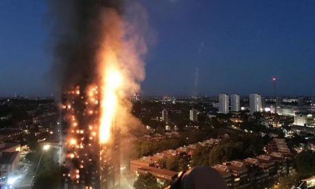 Police warn bystanders to stay away from Grenfell tower area amid fears of collapse