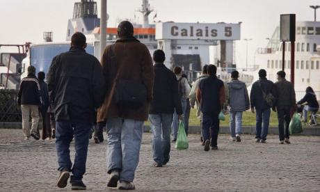 Migrants arrested in Calais after trying to be smuggled into Britain by plane