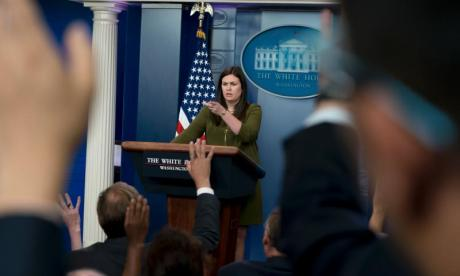 Rogue reporter livestreams closed White House press briefing