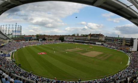 The Oval: Match between Surrey and Middlesex halted after 'crossbow' fired onto field