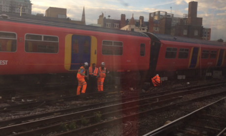 London commuters warned to avoid Waterloo Station as train derails in rush hour