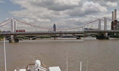 Chelsea Bridge temporarily closed after suspected WW2 device found