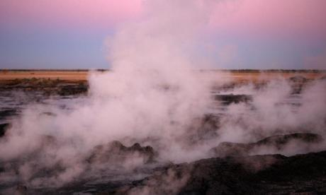 Tourist severely burned after falling into hot artesian bore in Australia