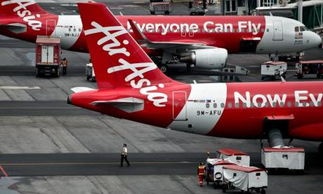 Passengers criticise 'hysterical, screaming AirAsia crew' for causing panic during emergency