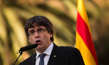 Carles Puigdemont offers Mariano Rajoy two months to initiate independence dialogue