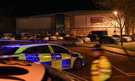 Warwickshire Police questioning man suspected of taking hostages in Nuneaton