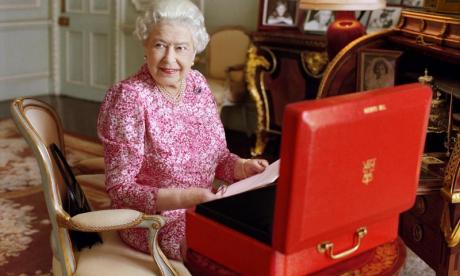 Paradise Papers leak: Queen named in figures allegedly linked to offshore investments in Cayman Islands and Bermuda