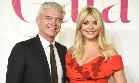 The Big Debate on cotton wool: 'There's a bag of cotton wool that presents This Morning alongside Holly Willoughby'