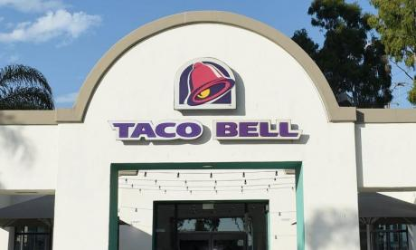 Woman accuses Taco Bell of racism for not selling french fries