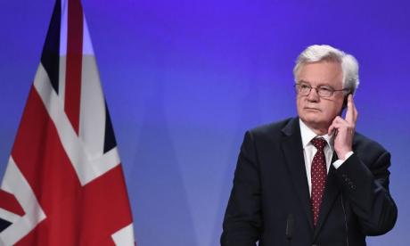 'That's not a choice, it's a threat' - Twitter shares views on David Davis' offer of a Brexit final deal vote
